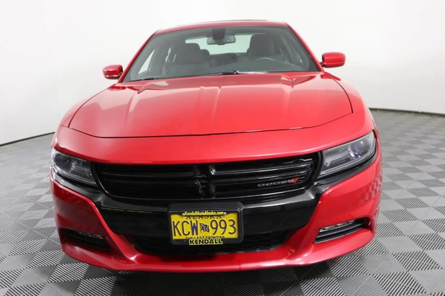 Pre-Owned 2017 Dodge Charger SXT