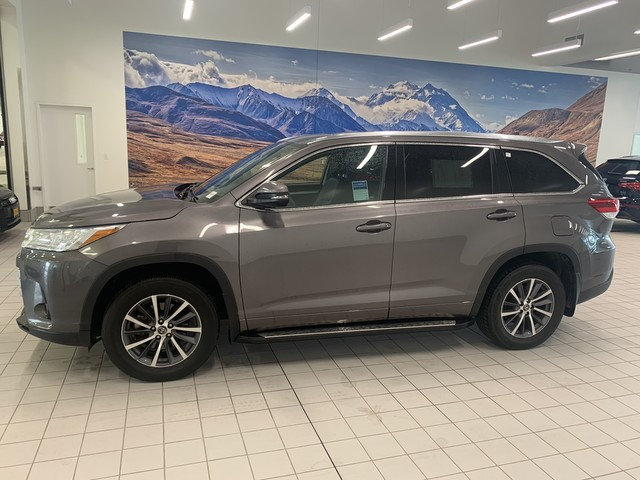 Pre-Owned 2018 Toyota Highlander XLE